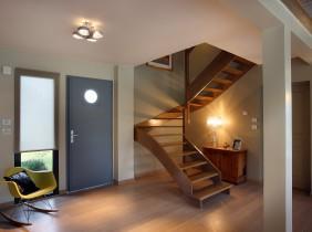 Hall d'entrée avec escalier