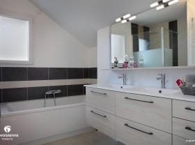 salle de bains - maison savoisienne Habitat - Entrelacs
