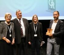 Savoisienne Habitat recoit le prix du trophée d'or des COOP HLM